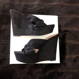 Liliana Black Suede Wedges - Size 8